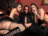 Caged Pussy at Pornstars Like It Big