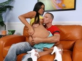Taisa and Mr Pete See Her Squirt
