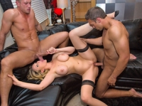 Julia Ann plus Two Dirty Wives Club